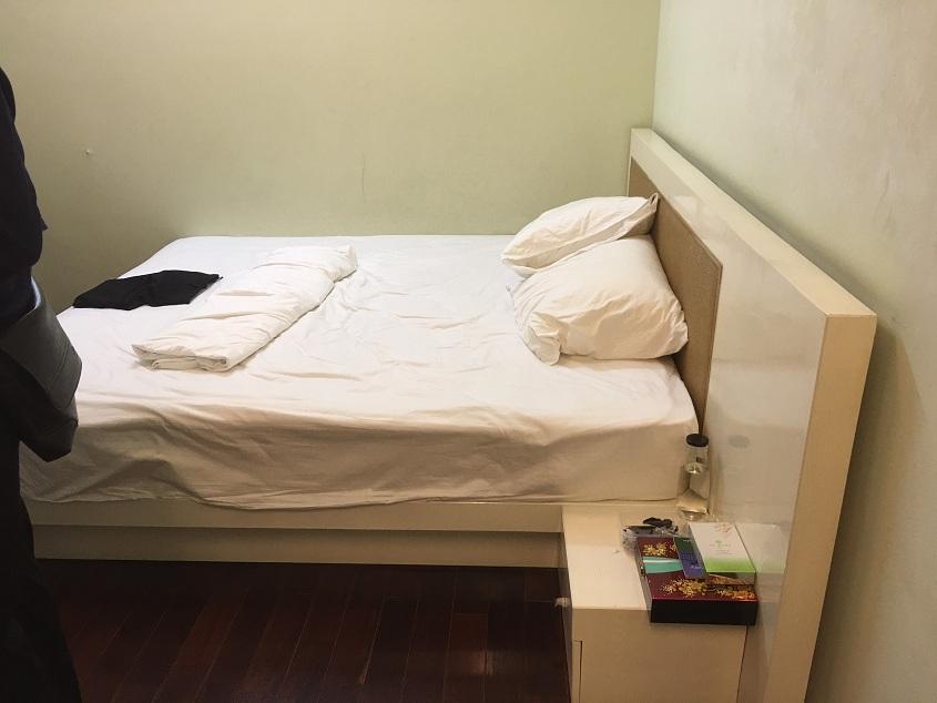 Thanh lý giường gỗ 180x220